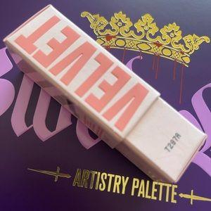 2 Jeffree Star velvet trap lipsticks